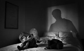 Castrarea chimică a pedofililor, respinsă de deputații-juriști: 'Trebuie corelată cu principiul respectării drepturilor omului'