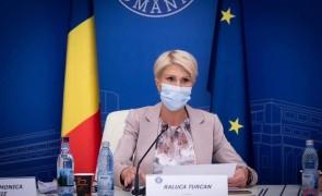 Raluca Turcan SE LAUDĂ că a rezolvat CRIZA din Valea Jiului: Acordul semnat cu reprezentanții minerilor, respectat
