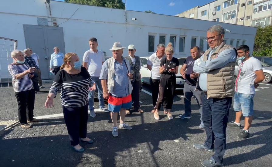 Primarul Chițac și viceprimarul Rusu, întâlnire cu cetățenii din zona străzii Dionisie cel Mic. VIDEO