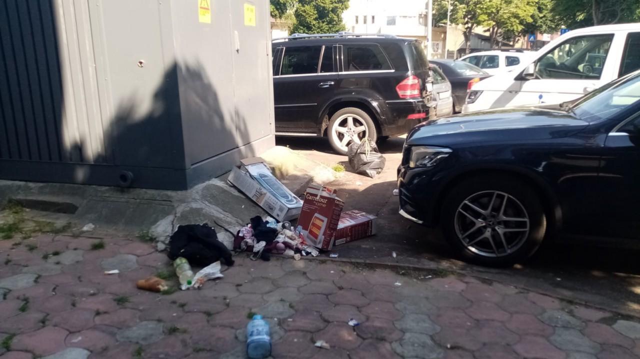 Cerșetoria şi consumul de băuturi în spațiul public, sancționate de polițiștii locali